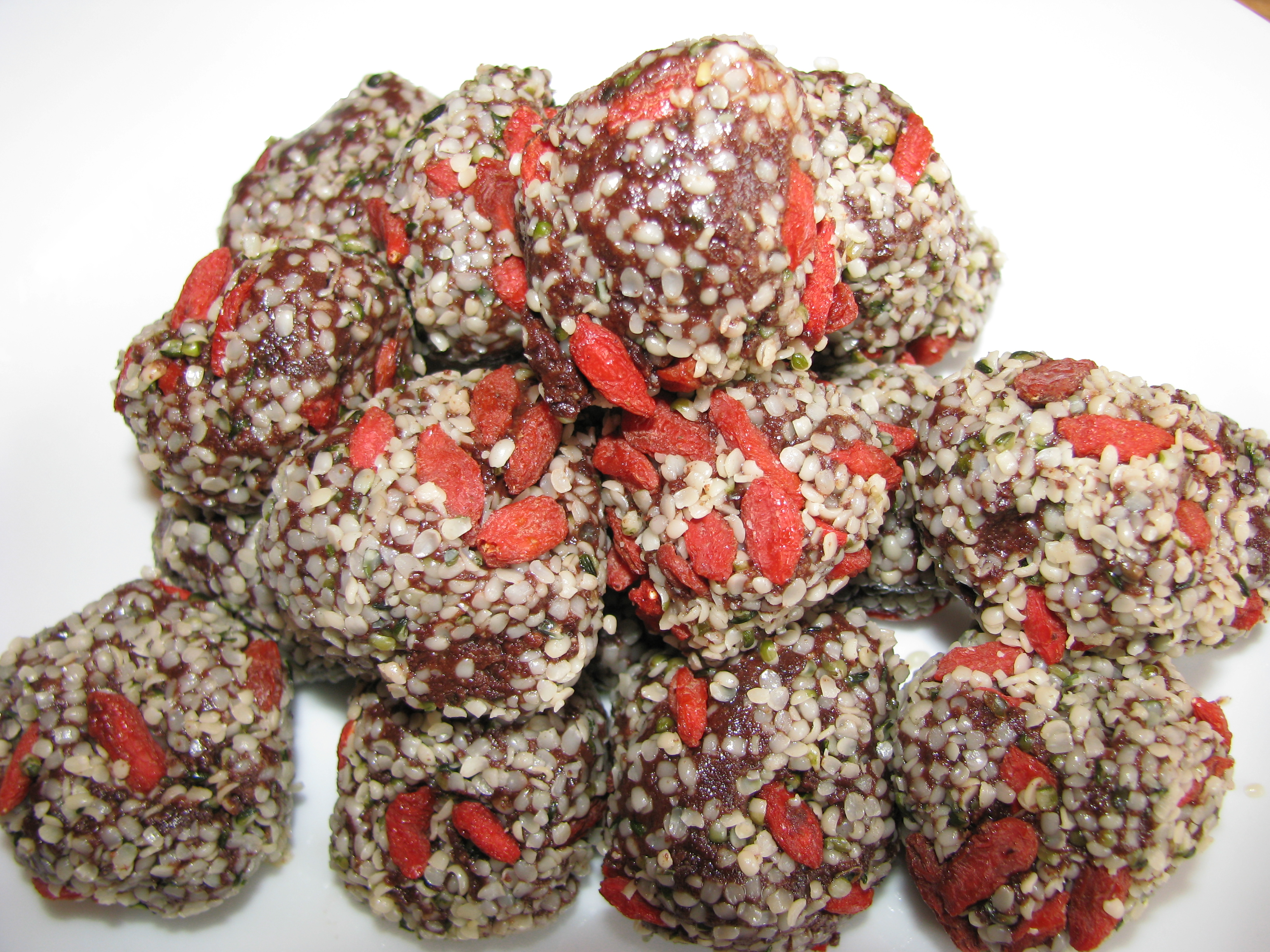 Leslie's Famous Truffles with Goji Berries
