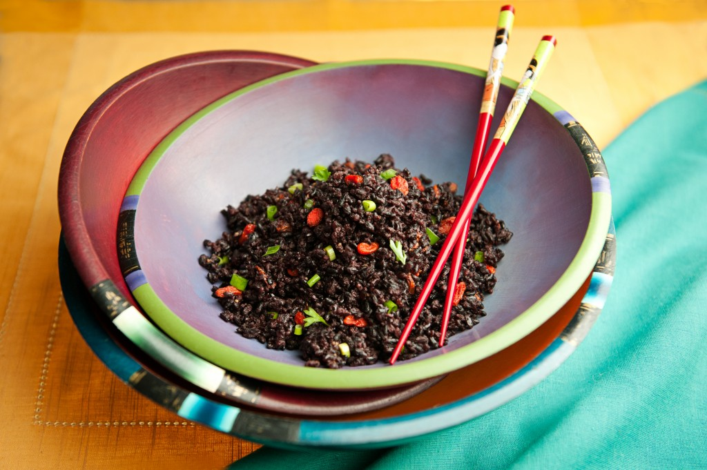 Black Rice with Goji Berries and Garlic is easy to make and love
