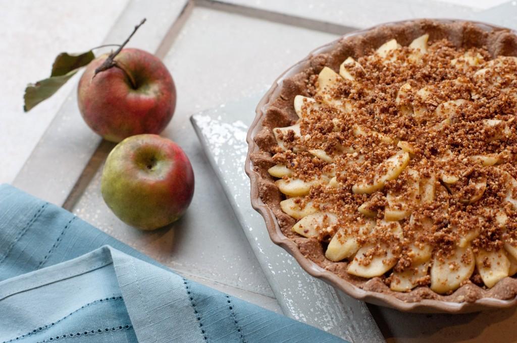 Delicious Vegan Apple Crumb Pie