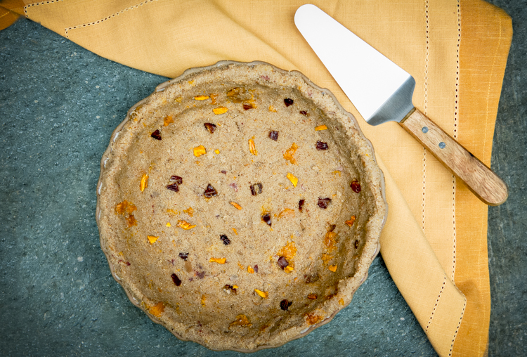 Sweet teff Dessert Pie Crust with Dried Mangoes and Dates